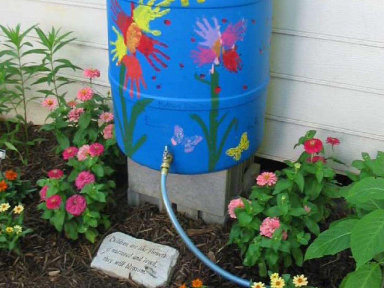 16 façons de protéger votre jardin durant une sécheresse sans trop gaspiller d'eau