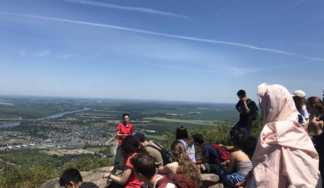 Fred speaking to a camp group at the top of the Dieppe summit @ Alexandra Falla